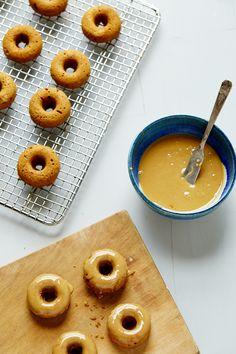 MINI MAPLE SPICED DOUGHNUTS WITH MOLASSES GLAZE (Gluten & dairy-free) — SK