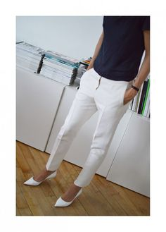Style by Kling - great white pants with white pumps!