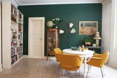 Green and yellow Living Room, Interior Decorating, Dream Decor, Small Living Room Design, Apartment Decor, Living Room Grey, Interior Design Living Room, Interior Design, Minimalist Home