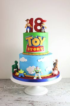 4 Ways to Stick Fondant Decorations to Cakes! Click over to find out 4 different ways to stick fondant decorations on a fondant cake when cake decorating! Buttercream Designs, Buttercream Cake, Fondant Cakes, Fondant Bow, 3d Cakes, Fondant Flowers, Fondant Figures, Bolo Toy Story, Toy Story Cakes