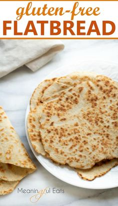*These would work as tortillas. AMAZING pockless pita or naan – perfect for wrapping, dipping or as an accompaniment to your favorite meal. Naan Sans Gluten, Gluten Free Flatbread, Pan Sin Gluten, Foods With Gluten, Gluten Free Pita Bread, Gluten Free Wraps, Best Gluten Free Recipes, Gf Recipes, Family Recipes