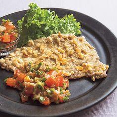 カリカリ、サクサクで本物の揚げものみたい!「ダイエットわらじカツ」のレシピです。プロの料理家・脇雅世さんによる、豚とんカツ用肉、玉ねぎのみじん切り、ピーマン、ミニトマトなどを使った、236Kcalの料理レシピです。