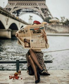 Pin by martina lekaj on parisian chic in 2019 paris travel, France Photography, Photography Poses, Travel Photography, Clothing Photography, Vintage Photography, Love Style Life, Photo Pour Instagram, Foto Blog, Oui Oui