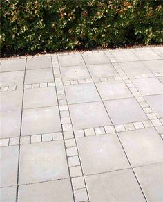 Mounting a Block or Paver Walkway – Outdoor Patio Decor Outdoor Patio Pavers, Outdoor Patio Designs, Paver Walkway, Beddinge, Patio Layout, Patio Flooring, Concrete Pavers, Concrete Stone, Backyard