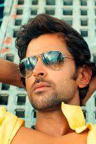 Bollywood actors in Aviators: Hrithik Roshan Bollywood Stars, Bollywood News, Bollywood Actress, Sexy Asian Men, Sexy Men, Hot Men, Hot Guys, Star Wars, Child Actors