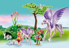 Enfants Royaux Avec Cheval Ailé Et Son Bébé de Playmobil Réf : 5478 moins cher en ligne. Age : 4 ans  Comparez son prix chez 5 vendeurs en ligne .