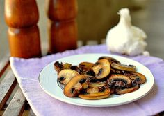 The trick to perfect pan-fried mushrooms. How To Cook Mushrooms, Roasted Mushrooms, Stuffed Mushrooms, Vegetarian Cooking, Cooking Recipes, Healthy Recipes, Fried Mushroom Recipes, Food Out, Fun Food