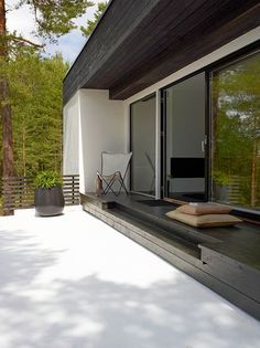Ute i skogen Art For Kids, Terrace, House Ideas, Exterior, Cabin, Windows, Interior Design, Architecture, Garden
