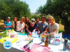 gesunde griechische Gerichte kochen Workshop, Sports, Greek Dishes, Crete, New Recipes, Meal, Easy Meals, Cooking, Hs Sports