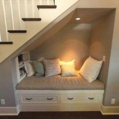 Ideas bedroom storage ideas for small spaces make up - house/ bedroom / arquitecture - Closet Bedroom, Bedroom Storage, Diy Bedroom, Storage Stairs, Bedroom Ideas, Bedroom Small, Bedroom Shelves, Closet Shelves, Closet Storage