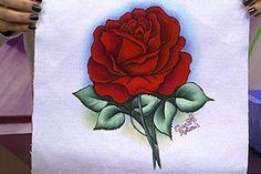 Pintura de rosa vermelha com risco transfer colorido – Eliana Rolim - Pintura em tecido