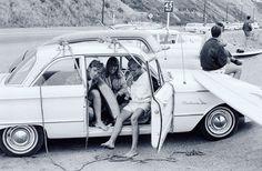 Inspiration - Surfers along Pacific Coast Highway - Los Angeles - 1964 - par Bruce Davidson. by sessun