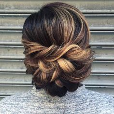 Have you got a special occasion coming up? Maybe you are going to a wedding, prom or special date night? If so you need to check out our 25 formal hairstyles. Each of these stunning hair ideas will finish off your best outfit and will suit any formal event. We have something for every style …