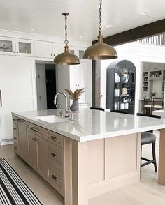 Kitchen Dining Living, Kitchen Views, Bathroom Cabinets, Interior Inspiration, Home Kitchens, Kitchen Remodel, Home Goods, New Homes, Room Decor