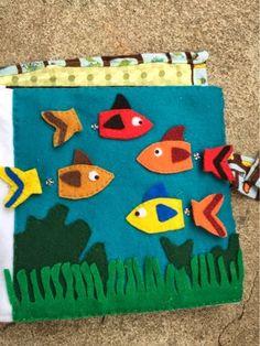 to the piechecker!: Quiet book: fish matching page Diy Quiet Books, Felt Quiet Books, Book Projects, Sewing Projects, Homemade Books, Felt Fish, Quiet Book Patterns, Book Activities, Activity Books