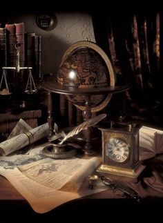 Jimmy& beautiful desk / our old backboard! Great inspiration for decor . - Jimmy& beautiful desk / our old backboard! Great inspiration for decorating! Hogwarts, Desk Globe, Steampunk, Antique Desk, Antique Interior, Antique China, Brown Aesthetic, Retro, Alter