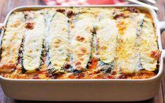 Deze koolhydraatarme lasagne is ook nog eens snel klaar! Wie houdt er nu niet van een lekkere lasagne? Het Italiaanse deeggerecht is een ware publiekslieveling en heeft door de jaren heen al vele harten gestolen. Jammer genoeg past het gerecht niet altijd binnen een koolhydraatarm dieet.. Maar Vegetarian Recepies, Healthy Recepies, Easy Smoothie Recipes, Healthy Snacks, Low Carb Recipes, Vegan Recipes, Vegan Fish, Brunch Recipes, Italian Recipes