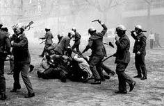 La policia acababa con fuertes disturbios cualquier intento de manifestacion