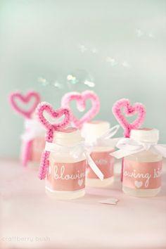 Craftberry Bush: Blowing kisses your way...valentine's favour