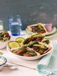 Jak zrobić tradycyjne falafele? Przepis krok po kroku / Chilli, Czosnek i Oliwa Chilli, Pickles, Green Beans, Cucumber, Vegetables, Cooking, Food, Kitchen, Essen
