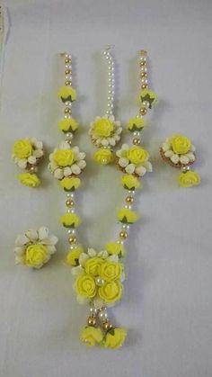 Artificial flower jewellery for haldi Flower Jewellery For Haldi, Indian Wedding Jewelry, Bridal Jewelry, Flower Jewelry, Flower Garland Wedding, Flower Garlands, Floral Wedding, Gota Patti Jewellery, Mehndi Designs Book