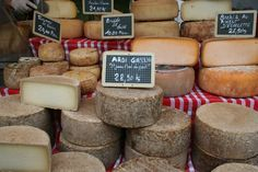 Fromages pur brebis basque, Brebis is sheeps milk, and I might add probably one of my favorite types...-Des