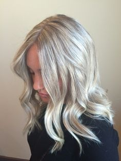 Platinum blonde hair color light icy ash highlight lowlight beige pale lob long bob waves beachy style
