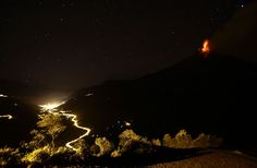 Ecuador's Tungurahua volcano spews ash over the nearby town of Banos, on August 21, 2012. (Reuters/Gary Granja)