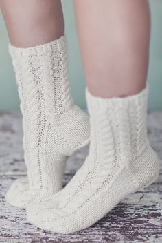 Hand-knitted socks embellished with a stunning cable pattern. Lace Socks, Wool Socks, Crochet Slippers, Knitting Socks, Baby Knitting, Knit Shoes, Sock Shoes, Little Cotton Rabbits, Knitting Videos
