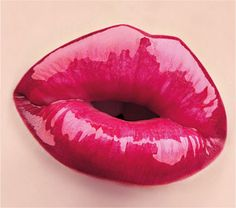 VINYL MAX LIP GLOSS: One Stroke Maxi Shine Lip Gloss.