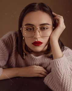 Sterre eyeglasses in Gold Color for women and men - Shop Eyeglasses - Sunglasses Online - Rx Glasses Prescription Glasses Frames, Prescription Lenses, Rose Gold Color, Silver Color, Color Shapes, Sunglasses Online, Eye Glasses, Ultra Violet, Looking For Women