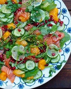 Mat På Bordet - Oppskrifter for alle! Caprese Salad, Cobb Salad, Avocado Toast, Sushi, Cravings, Pizza, Breakfast, Mat, Food