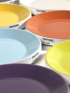 Pro-Kitchen Service for Pantone Universe, by Luc Vincent & Zoé Bezençon, edited by Serax