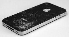 """Patentizada pela Apple uma nova tecnologia que faz o iPhone não quebrar ao cair no chão. O aparelho é capaz de detectar quando está em queda livre, a partir dai ativa um dispositivo de proteção que altera o centro de gravidade, com isso o iPhone """"escolhe"""" qual parte irá atingir o solo."""