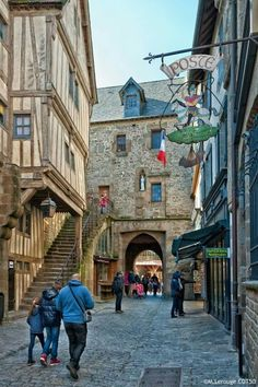 Mont Saint Michel/France (Main Street)