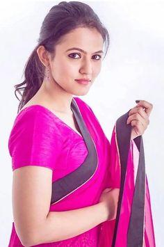 Beautiful Girl In India, Beautiful Saree, Beautiful Indian Actress, Most Beautiful Women, Beauty Full Girl, Beauty Women, Sari Blouse Designs, Actrices Hollywood, Indian Models