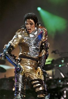 Oh those gold pants, thanks for wearing them for us and giving us a heart attack!! You sexy man!!!