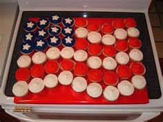 Cupcake Cake.  Great idea for a Memorial or 4th of July Party where there will be little kids.