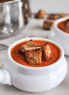 Creamy Tomato Soup with Brown Butter Garlic Croutons | howsweeteats.com