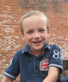 As I walk on my toes  Hi, my name is Haydn Jones and I am 4 years old from Sutton. I was born at 29 weeks and weighed 3lbs 2oz.  I spent the first 6 weeks in hospital and when I weighed 5lbs I was allowed home with my Mum and Dad. When I left hospital Mum and Dad were told I had had a bleed on the left side of my brain, but at that point they didn't know what that meant, and what it would mean for my future. http://www.treeofhope.org.uk/as-i-walk-on-my-toes/