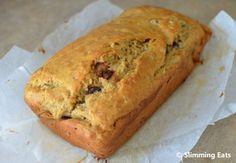 Low Syn Banana and Chocolate Chip Loaf Slimming World recipes, Chocolate Banana Bread Whisk Knife, Banana Loaf with Chocolate Time To Co. Slimming World Deserts, Slimming World Puddings, Slimming Eats, Slimming World Recipes, Skinny Recipes, Low Calorie Recipes, Sweet Recipes, Easy Recipes, Healthy Recipes