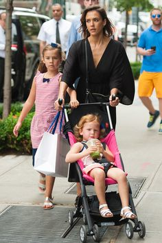 Jessica Alba's Stroller Street Style | Haven really likes her juices.
