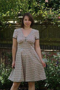 Sewn in the Attic: Sew Over It - 1940s Tea Dress