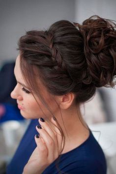 Messy Bun With Accent Braid 12 Curly Homecoming Hairstyles You Can Show Off Curly Homecoming Hairstyles, Prom Hair Updo, Formal Hairstyles, Latest Hairstyles, Hairstyles For Long Hair Prom, Easy Prom Hair, Hair For Prom, Curly Hair Updo Wedding, High Updo Wedding