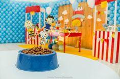 Centro de mesa para festa Snoopy: amendoim servido como ração canina. Super divertido!