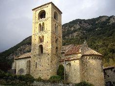 Església romànica Sant Cristòfol de Beget (s.XII) Romanesque Art, Romans, Notre Dame, Architecture, Building, Travel, Europe, Art, Stones