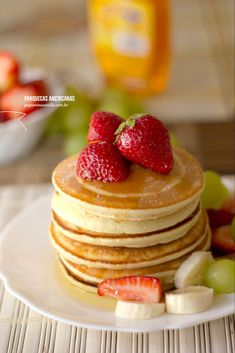 The best American pancake recipe I Love Food, Good Food, Yummy Food, Pancakes And Waffles, Creative Food, Sweet Recipes, Delicious Desserts, Gourmet Desserts, Plated Desserts