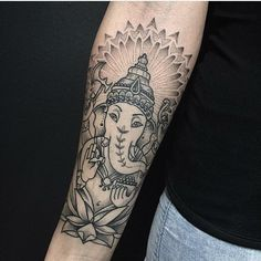 Tattoo artist miss Sita follow on Instagram @misssita Ganesh tattoo mandala dotwork