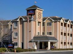 Salinas (CA) Howard Johnson Inn Salinas United States, North America Howard Johnson Inn Salinas is conveniently located in the popular Soledad area. Offering a variety of facilities and services, the hotel provides all you need for a good night's sleep. Service-minded staff will welcome and guide you at the Howard Johnson Inn Salinas. Some of the well-appointed guestrooms feature air conditioning, heating, desk, alarm clock, telephone. Enjoy the hotel's recreational facilities...