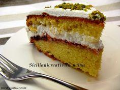 Torta morbida con fragole e panna  Victoria Cake